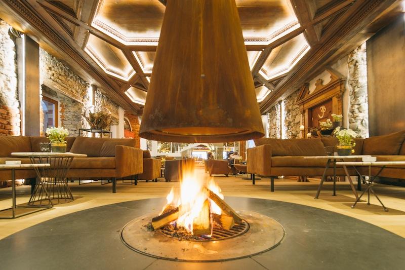 Die neue und moderne Maximilianhalle. Im 5-Sterne Hotel Klosterbräu & Spa in Seefeld lässt es sich angenehm logieren / © Hotel Klosterbräu & Spa