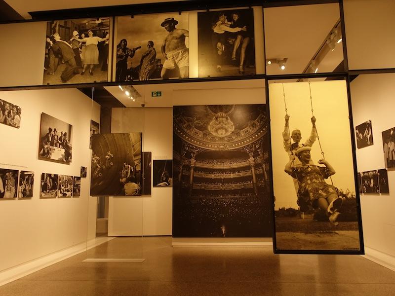 """Im Schloss Clervaux befindet sch die weltbekannte Fotoausstellung """"Family of Man"""", die schon viele Tausend Besucher angelockt hat / © Redaktion FrontRowSociety.net, Foto Noris Conrad"""