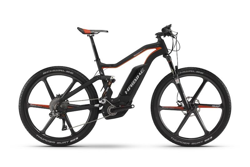 """Das Haibike XDURO FullSeven Carbon Ultimate ist wohl das """"ulimative"""" Bike - hier zeigt Haibike was technisch machbar ist / © Foto Haibike"""