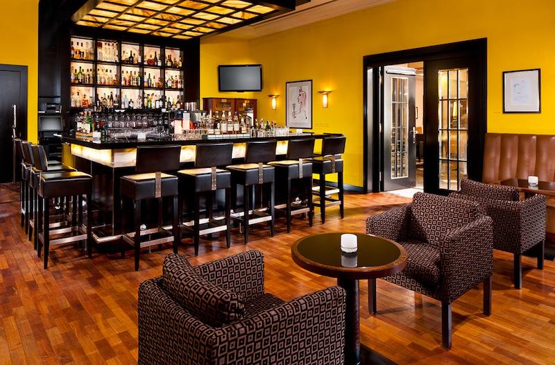 Die Elephant Bar im Hotel Elephant in Weimar ist nicht nur bei Hotelgästen angesagt / © Hotel Elephant, Weimar
