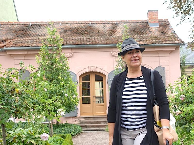 Die hoteleigene Kulturreferentin Kornelia Lukoschek kennt sich in Weimar bestens aus - eine Tour mit ihr ist sehr empfelenswert / © Redaktion FrontRowSociety.net
