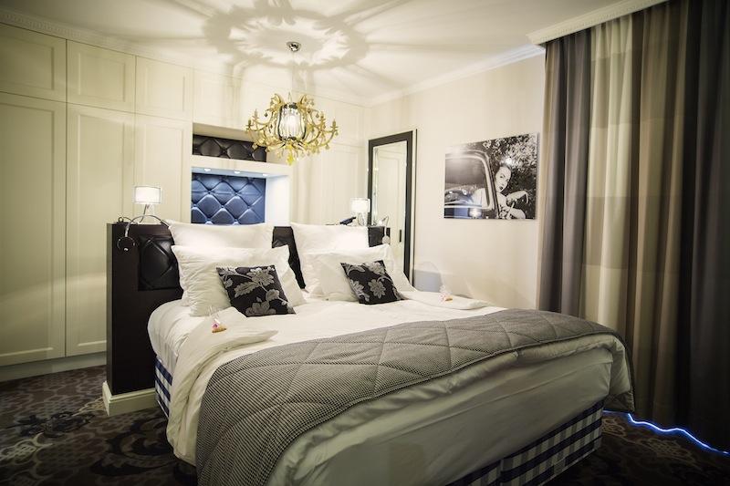 Der Schlafbereich einer Duplex Suite im 5-Sterne Hotel Le Clervaux / © Hotel Le Clervaux