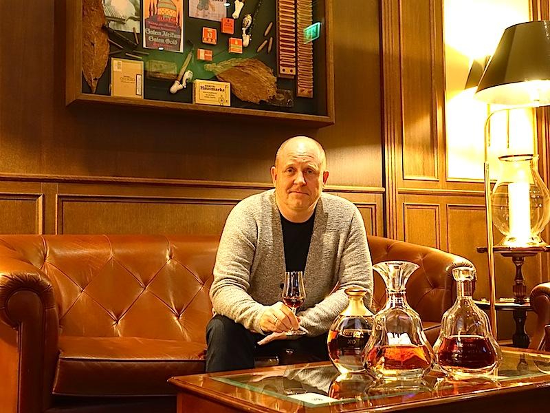 Nach einem guten Dinner im Sterne-Restaurant Caroussel ist die Cigar-Lounge für den einen oder anderen Absacker sehr zu empfehlen / © Redaktion FrontRowSociety.net