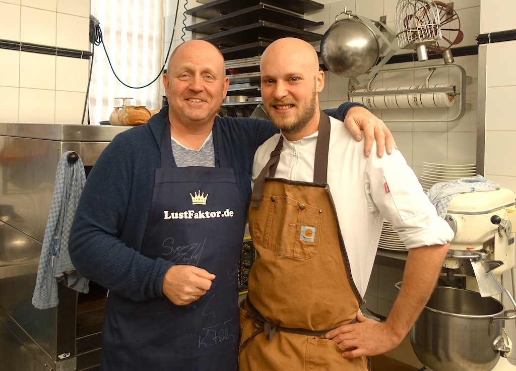 Andreas Conrad und Somin Stirnal in der Patisserie des Restaurants Kronenschlösschen / © Redaktion FrontRowSociety.net