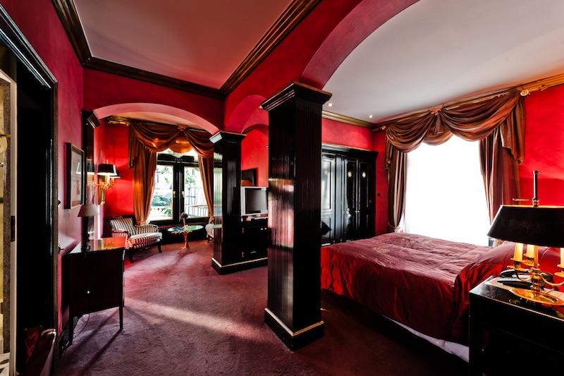 Die Junior-Suite Nummer 12 gehört zu den beliebtesten Suiten im Hotel Kronenschlösschen/ © Kronenschlösschen