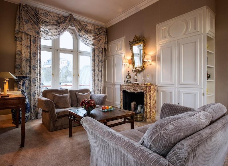 Die Zimmer und Suiten im Hotel Kronenschlösschen harmonieren mit dem Charkter des Schlösschens / © Hotel Kronenschlösschen
