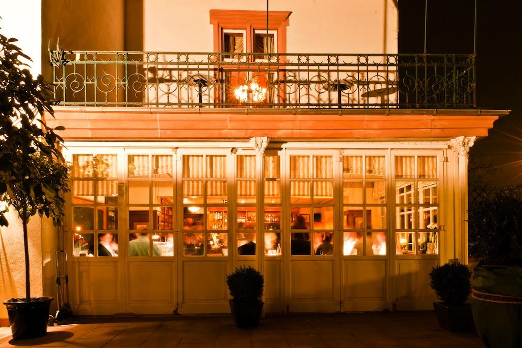 Im Hotel & Restaurant Kronenschlsschen kredenzt Sternekoch Simon Stirnal außergewöhnliche Gerichte / © Hotel Kronenschlösschen