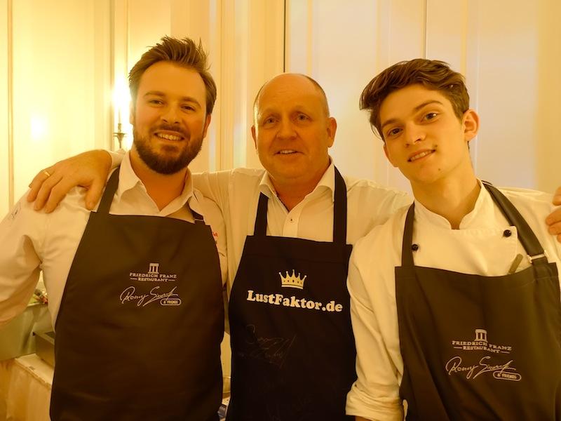 Auch Sternekoch Mirko Gaul hatte sichtlich Freude auf der Küchenparty von Ronny Siewert / © Redaktion FrontRowSociety.net