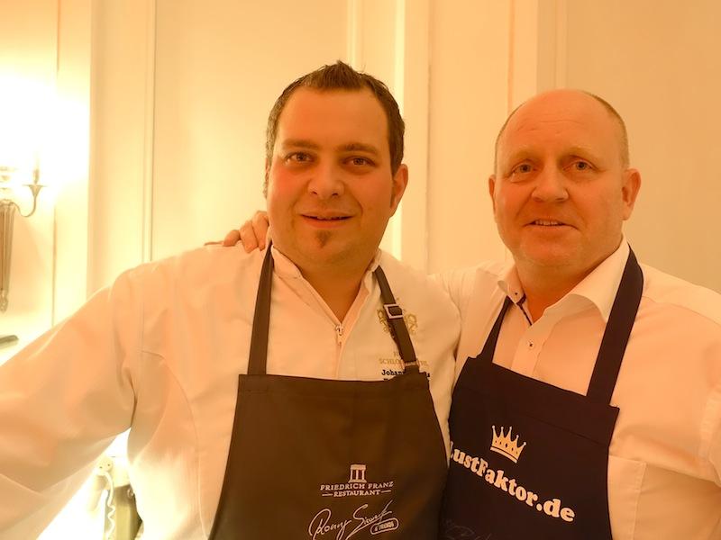 Johannes Fuchs (l.) hatte aus Österreich wohl die weiteste Anreise, wecher er aber gerne für seinen Kochkellegen Ronny auf sich nahm / © Redaktion FrontRowSociety.net