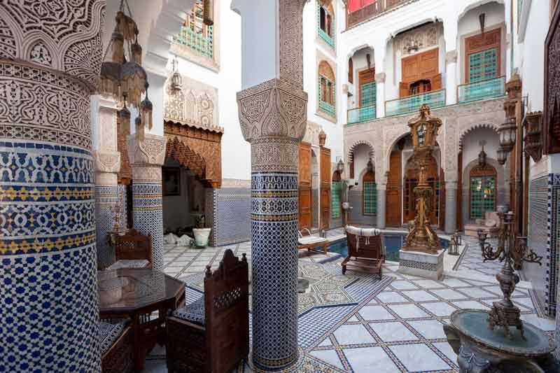 Das Riad Arabesque ist weitläufig zugänglich und viele Ecken laden zum Verweilen ein / © FrontRowSociety.net, Foto Georg Berg