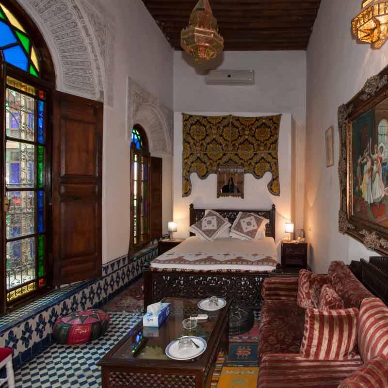 Die Junior Suite Jaffa ist prächtig verziert und verfügt über ein Queensize-Doppelbett / © FrontRowSociety.net, Foto Georg Berg