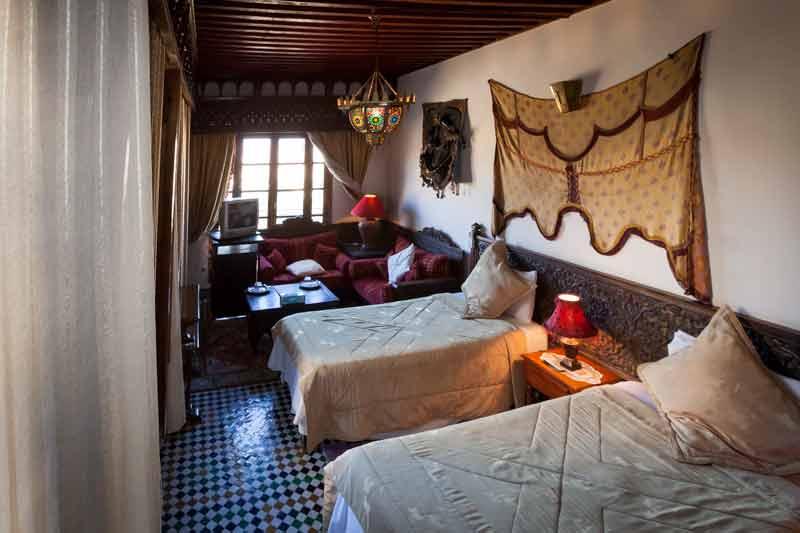 Die Junior-Suite Zalagh hat eine freundlich helle Sitzecke / © FrontRowSociety.net, Foto Georg Berg