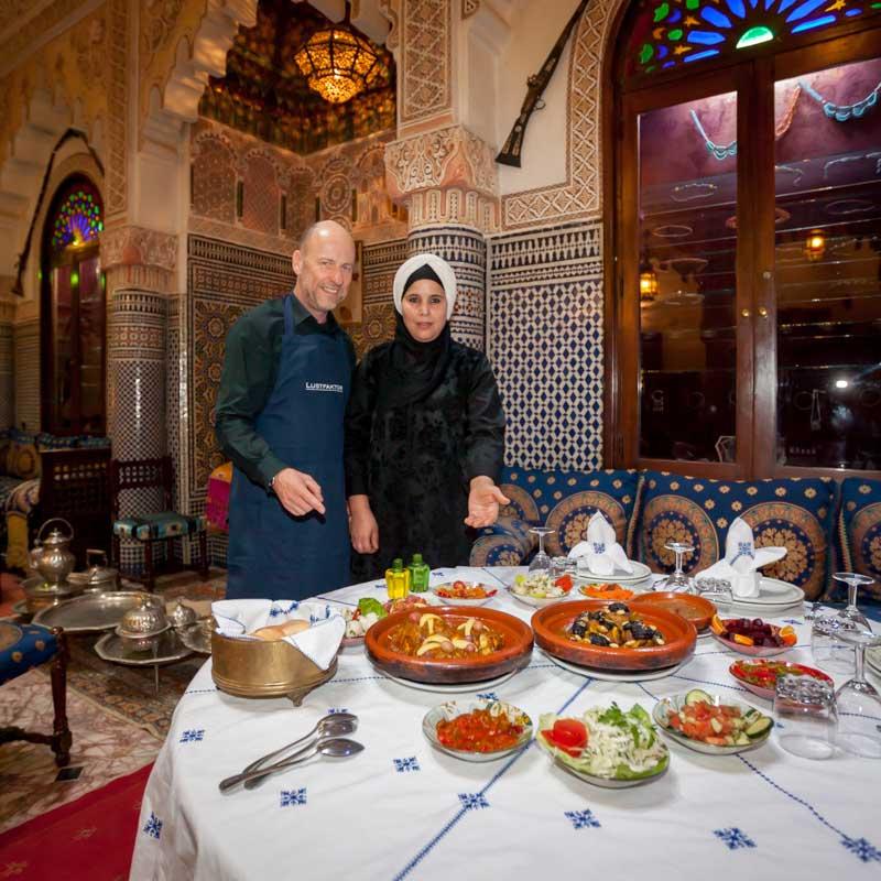 FrontRowSociety.net Reporter Georg Berg erfährt, dass Frauen die besseren Köche in Marokko sind / © FrontRowSociety.net, Foto Georg Berg