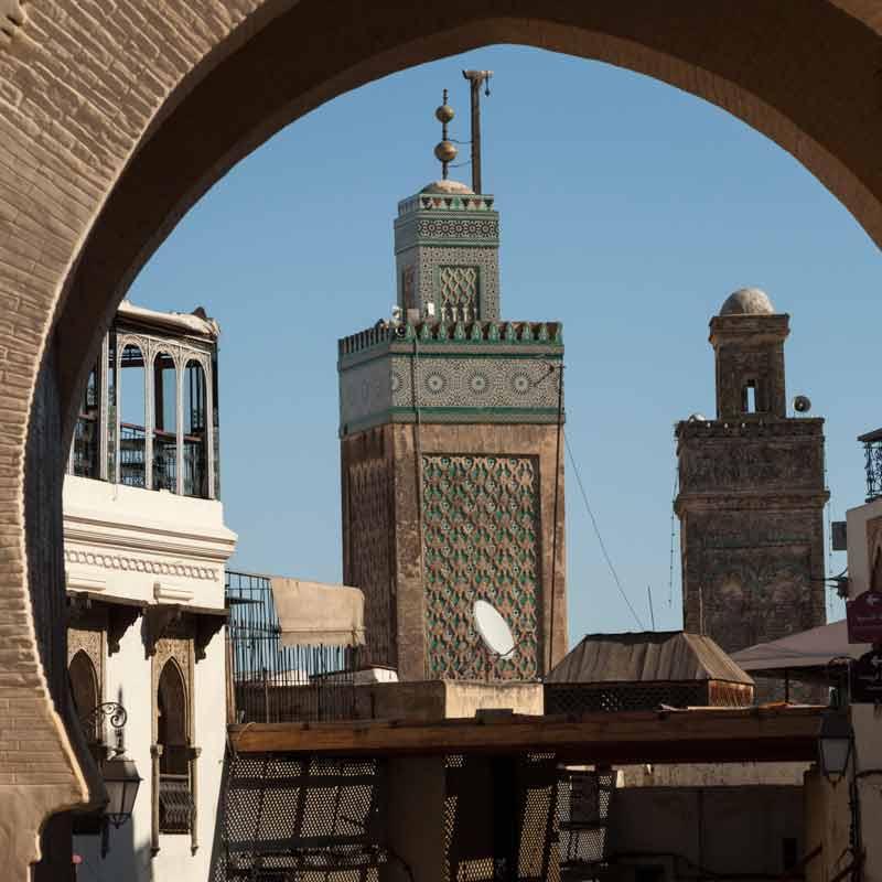 Von den Stadttoren, die alle die arabische Übersetzung Bab im Namen führen, ist das Bab Boujeloud der beste Startpunkt / © FrontRowSociety.net, Foto Georg Berg