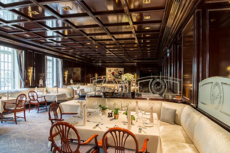 """Die Hansa Stube – welche liebevoll die """"gute Stube Kölns"""" genannt wird - wartet mit exzellenter französischer und regionaler Küche auf / © Excelsior Hotel Ernst"""