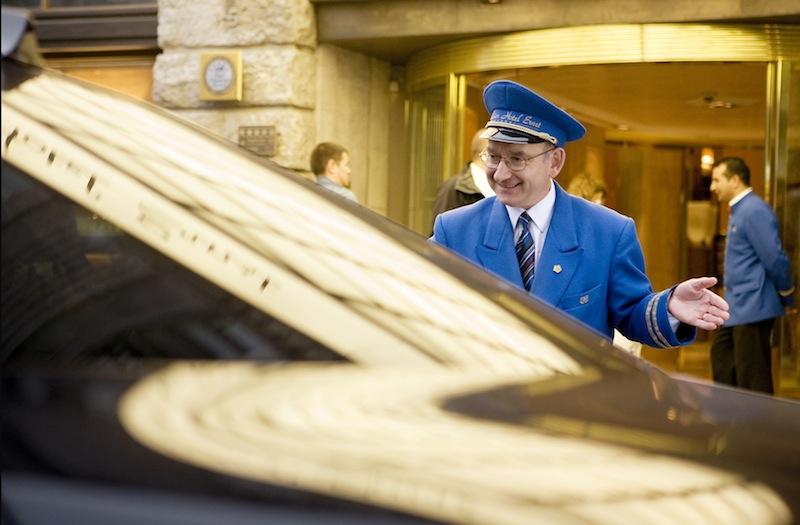 Service im Hause Excelsior Hotel Ernst wird groß geschrieben / © Excelsior Hotel Ernst