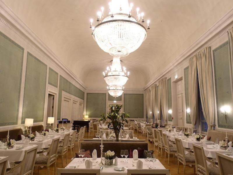 Aufgrund des großen Gästeaufkommens wurde auch das Kurhaus-Restaurant für die Küchenparty genutzt. Fast 300 Gäste sollten bequem speisen können / © Redaktion FrontRowSociety.net