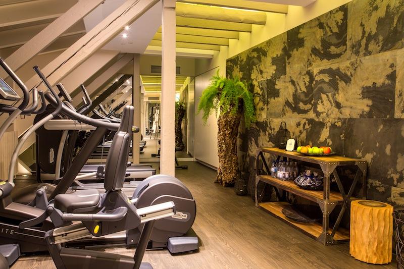 Mit modernen Fitnessgeräten von Technogym macht das Trainieren freude / © Excelsior Hotel Ernst