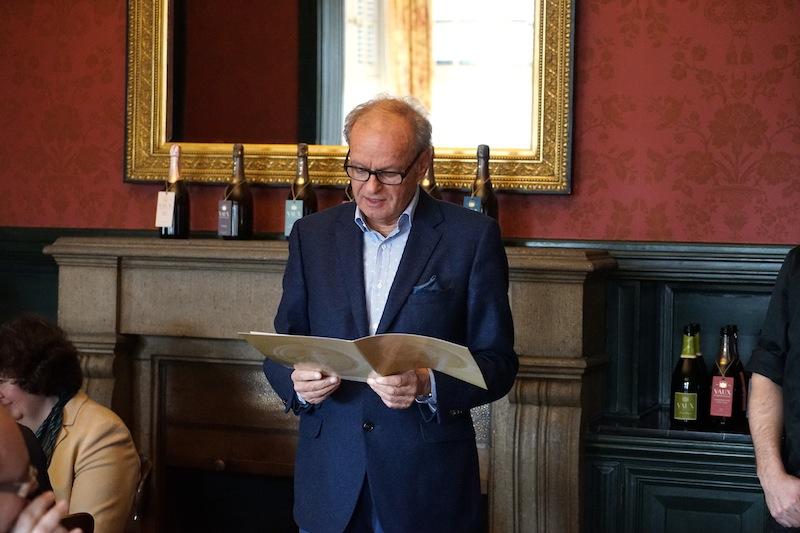 Initiator des größten Gourmetfestivals H.B. Ullrich - hier auf Schloß Vaux, teilt August F. Winkler die Leidenschaft für gute Weine