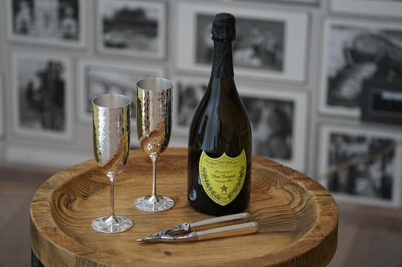 Selbstverständlich zählen auch einige besondere Jahrgänge von Dom Perignon zur ATLAS Champagner-Kollektion