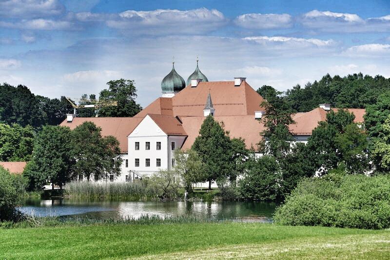 Kloster Seeon ist ebenfalls eine Tour wert ...