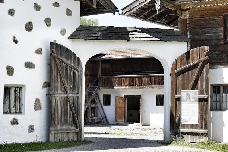 Das Bauerndorf ist sehr aufwendig renoviert und für Kinder ein Erlebnis