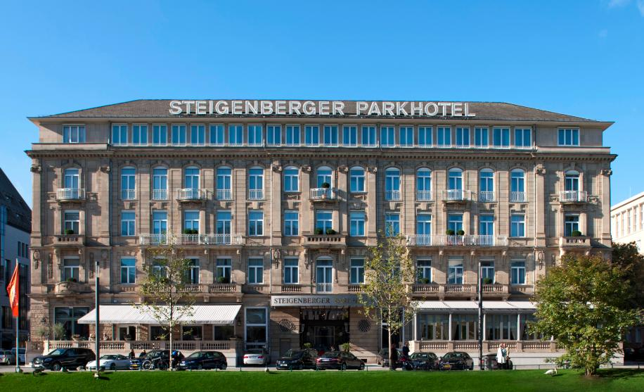 Sicht auf das Steigenberger Parkhotel in Düsseldorf