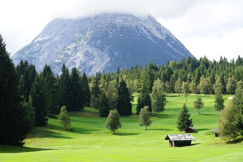 Der Golfplatz Seefeld Wildmoos gehört mit zu den schönsten Golfplätzen Tirols
