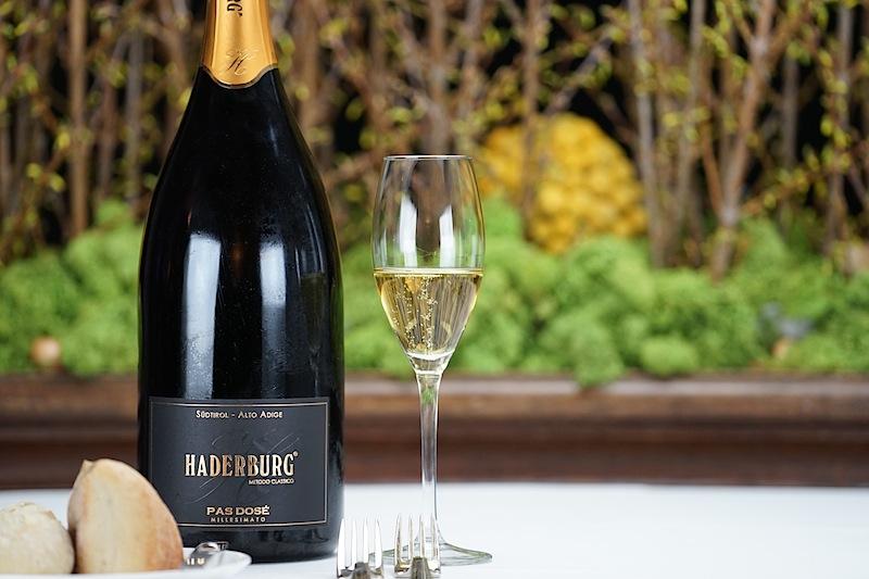 Der 2012er Pas Dosé Dose vom Weingut Harderburg zur Einstimmung auf das Dinner von Tohru Nakamura