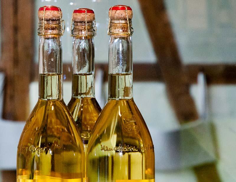 Die alkoholfreien Cuvée-Flaschen erinnern an Champagner