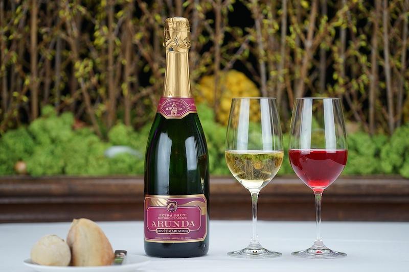 Cuvée Marianne aus der Arunda Sektkellerei: Sekt aus Südtirol werden nach der klassischen Methode der Flaschengärung hergestellt