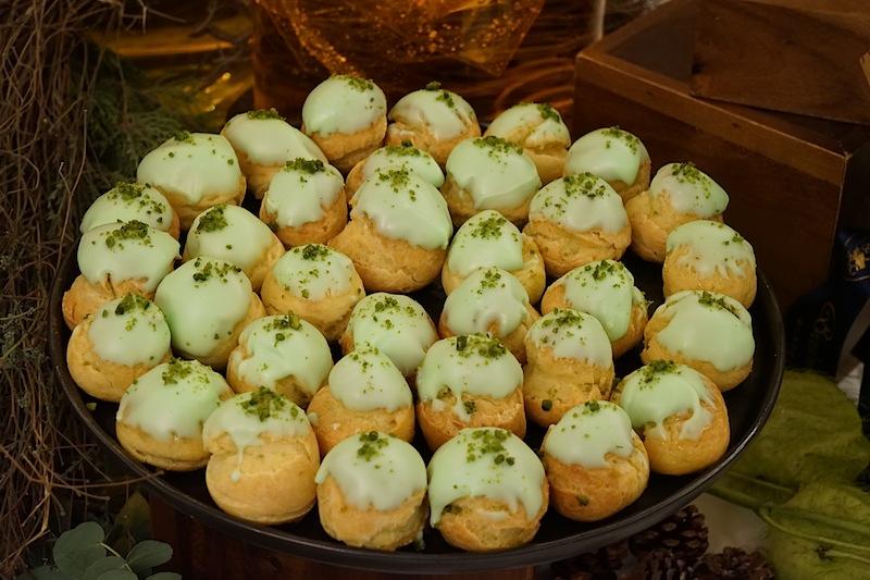 Miniwindbeutel mit Pistazie waren ebenfalls auf dem üppigen Dessertbuffet zu finden