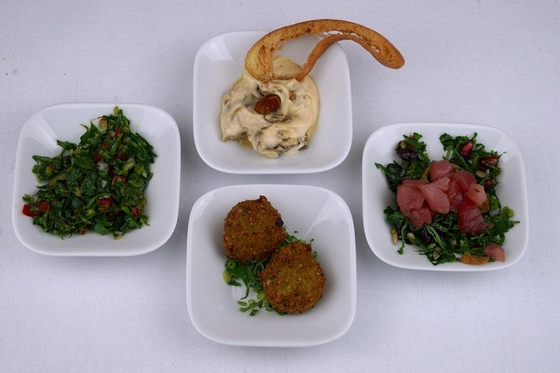Hier ist eine kleine Kostprobe der Persischen Mezze des Restaurants ArabesQ zu sehen
