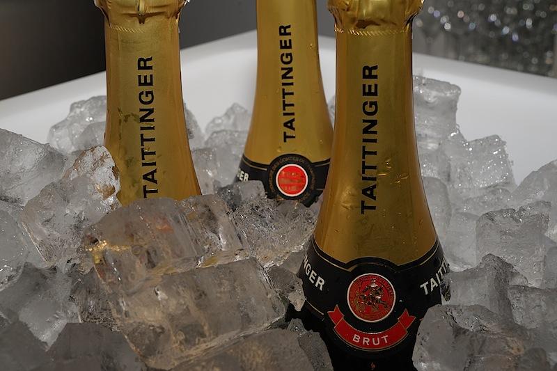 Gut gekühlt ist ein Glas Champagner zu jeder Gelegenheit zu genießen