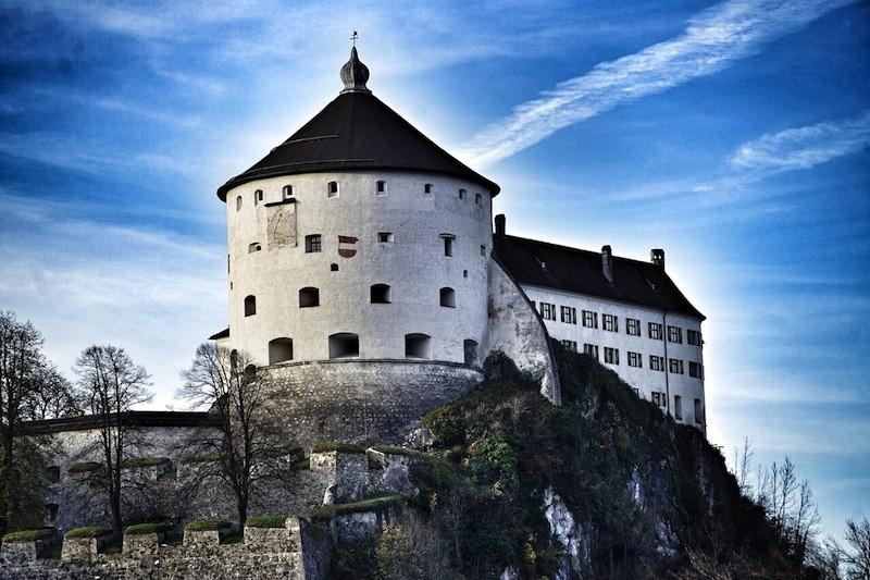 Das Warzeichen vom Kufstein: Die Festung - flussseitig zu Füßen liegt das Boutiqie-Hotel Trüumerei #8
