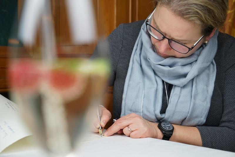 """Der FrontRowSociety.net-Gourmetabend im 2-Sterne Restaurant """"Im Schiffchen"""" wurde von unserer Redakteurin Annett Conrad """"wörtlich"""" festgehalten"""
