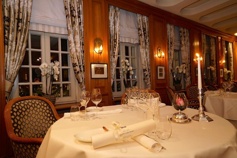 """Das gemütliche Ambiente des Restaurant """"Im Schiffchen"""" lässt die Gäste in eine entspannte Atmosphäre eintauchen / © Redaktion FrontRowSociety.net"""