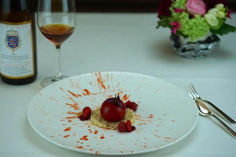 Eine gelungener kulinarischer Abschluß: Weiße Schokolade, rote Paprika und Himbeere