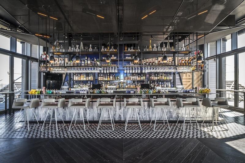 Die Westlight Bar ist gefragt, bei Hotelgästen wie Laufkundschaft gleichermaßen