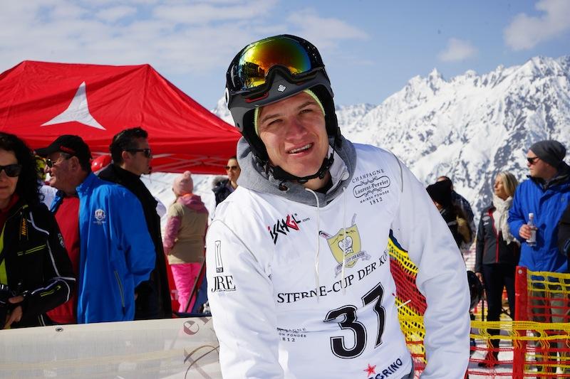 Sport ist Benjamins zweite Leidenschaft. Im Winter findet man ihn mit dem Snowboard in den Bergen, und im Sommer mit dem Mountainbike