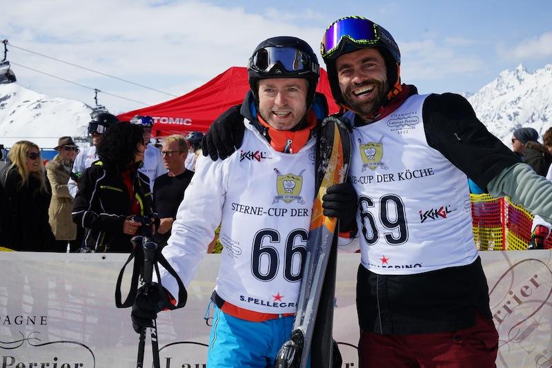3-Sterne Koch Sven Elverfeld (li.) - bei dem Benjamin Parth ebenfalls sein Wissen vertiefte - kann nicht nur erstklassig kochen, sondern auch Ski fahren. Hier gemeinsam mit Sterne- & TV-Koch Steffen Disch beim Sterne Cup der Köche in Ischgl