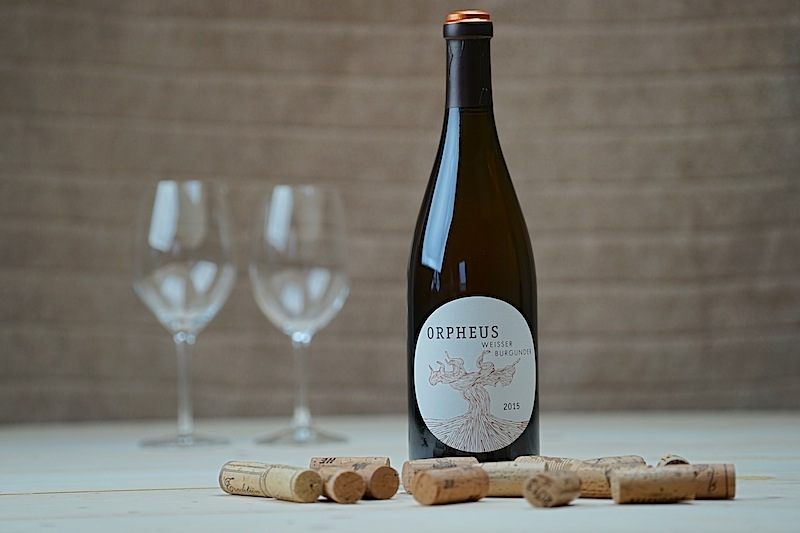 Orpheus steht hier mit seinem Namen Pate für den Weissen Burgunder vom Weingut Schmit