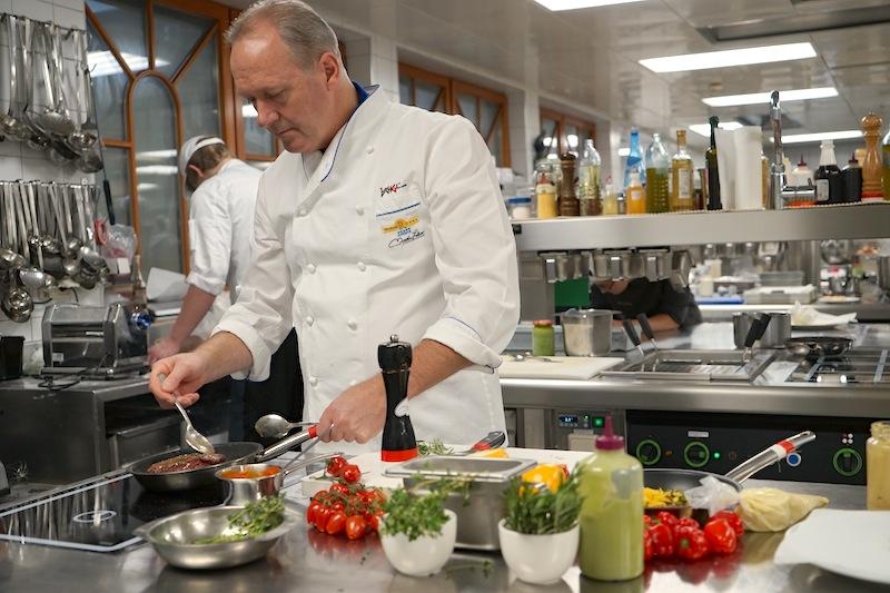 3 Hauben Koch Martinen Sieberer in seinem Element