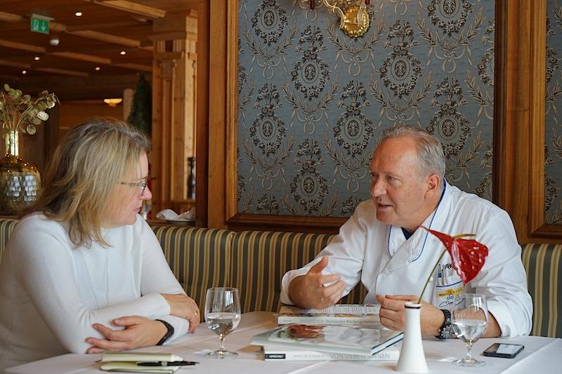 3 Hauben Koch Martin Sieberer beschreibt seinen Anspruch an Regionalität und Kunst Erzeuger zu finden, die der gleiche Qualitätsanspruch vereint