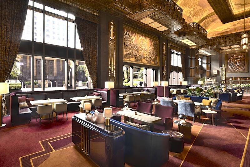 Platz nehmen in der ATLAS Bar, welche weitweit auf Rang 15 - der besten Bars der Welt - zu finden ist
