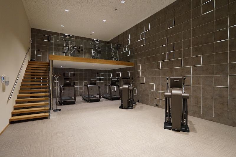 Sportlich aktiv kann man in dem großen - über zwei Räumlichkeiten verteilten - Fitnesscenter sein