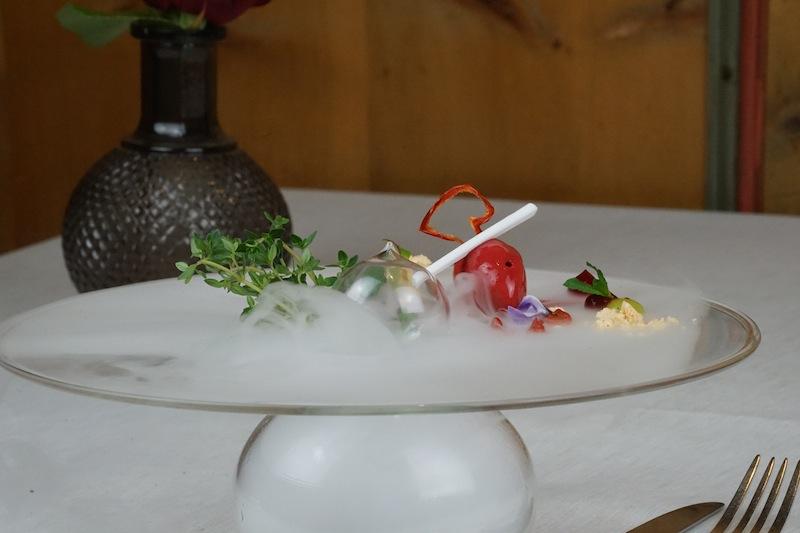 Erfrischung von Paprika und Himbeeren