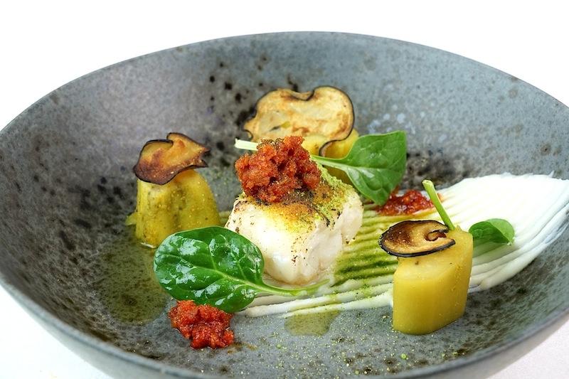 Seeteufel mit mallorquinischer Wurst, der Sorbrasada, Aubergine und Parmesamcrème