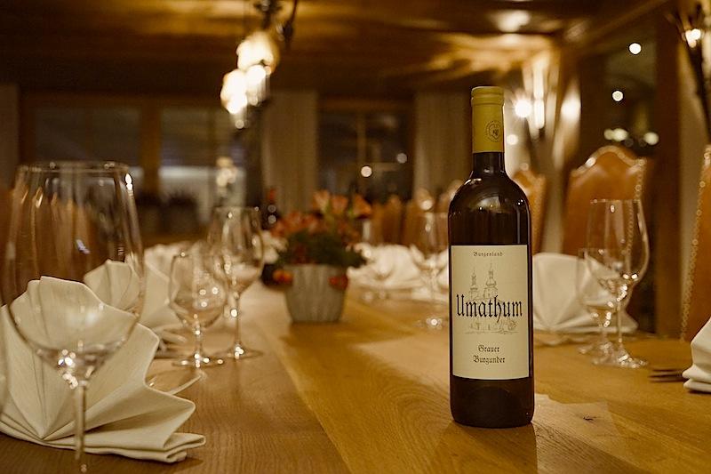 Österreichische Spitzenweine finden den Weg ins Glas des Gourmets im 5-Sterne Superior Hotel Trofana Royal in Ischgl