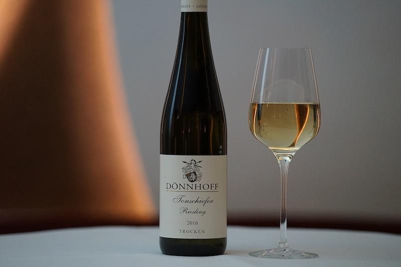 2016 Riesling Kabinett Kreuznacher Krötenpfuhl vom Weingut Dönnhoff ist ein weiterer großartiger deutscher Rieslinge